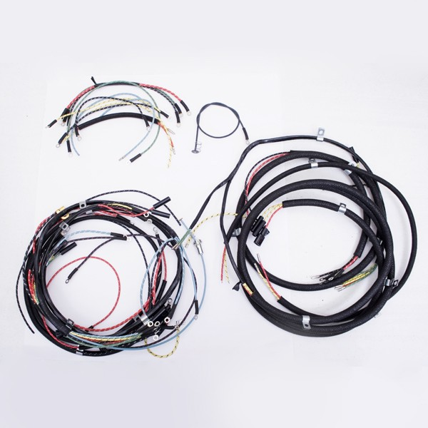 http://www autoquestjeeps com/wiring-harness-with-turn-signal-46-49-willys